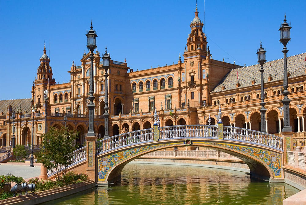 Spanish language School in Seville. Since 2008, Maus School has specialised exclusively in teaching Spanish.